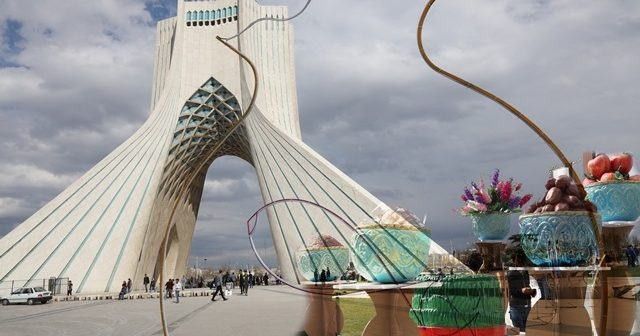 برج آزادی بهارانه